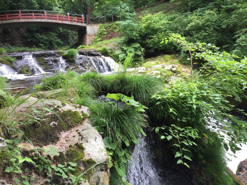 銀山温泉 銀山遊歩道 散策 せことい橋