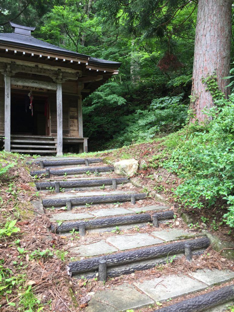 銀山温泉 銀山遊歩道 散策 滝の不動尊